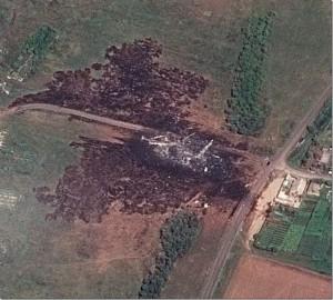 Luftaufnahme Aufschlagsort mit Bereich Aufschlagsexplosion und Aufschlagsbrand
